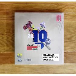 LIBRO FILATELICO CON SELLOS 2010 ESPAÑA Y ANDORRA